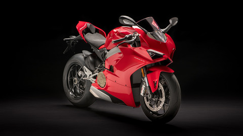 Panigale-V4-MY18-Red-01-Slider-Gallery-1920x1080