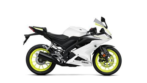 2019-Yamaha-YZF-R125-EU-BWCM-Studio-002-03