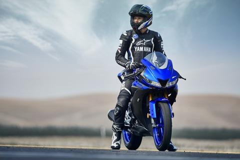 2019-Yamaha-YZF-R125-EU-Yamaha_Blue-Static-005