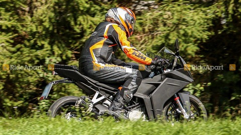 2021-ktm-rc-390-spy-shots (2)