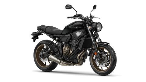 2019-Yamaha-XS700-EU-Tech_Black-Studio-001-03
