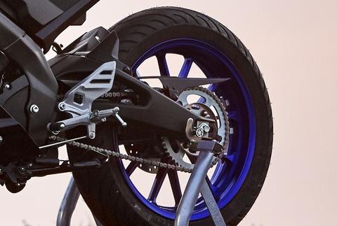 2019-Yamaha-YZF-R125-EU-Yamaha_Blue-Detail-004