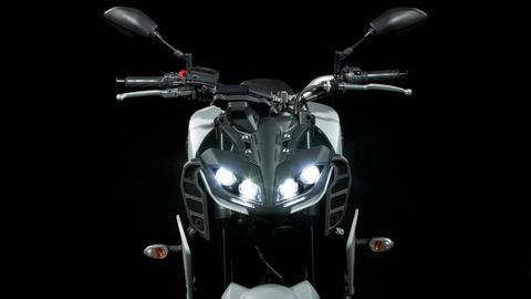 2020-Yamaha-MT09-EU-Detail-001-03