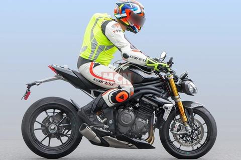 Triumph-Speed-Triple-02