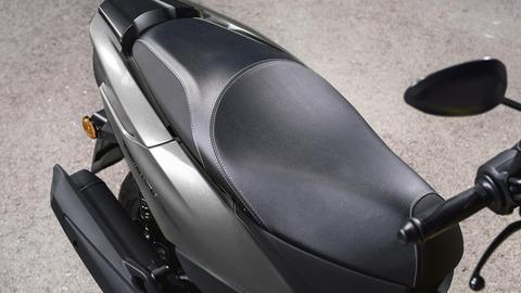 2018-Yamaha-Tricity-EU-Matt-Grey-Detail-004