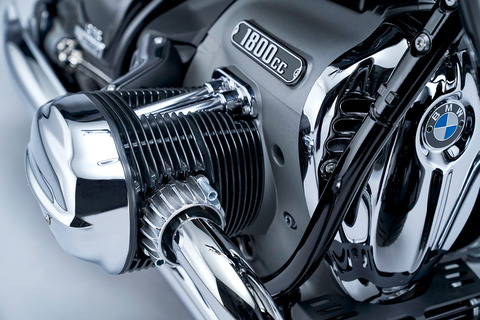 P90386424_highRes_the-bmw-r-18-first-e