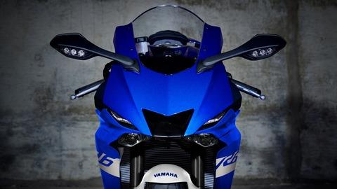 2020-Yamaha-YZF600R6-EU-Yamaha_Blue-Detail-001