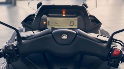 2020-Yamaha-MW300-EU-Detail-006-03
