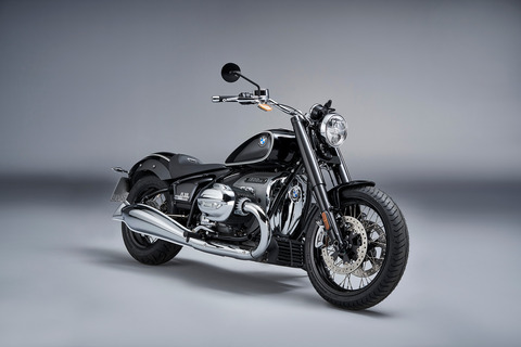 P90386404_highRes_the-bmw-r-18-first-e