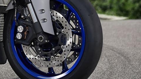 2020-Yamaha-YZF1000R1-EU-Yamaha_Blue-Detail-004-03
