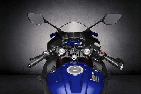 2019-Yamaha-YZF-R125-EU-Yamaha_Blue-Detail-008