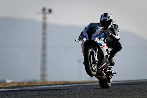 P90327336_highRes_the-new-bmw-s-1000-r