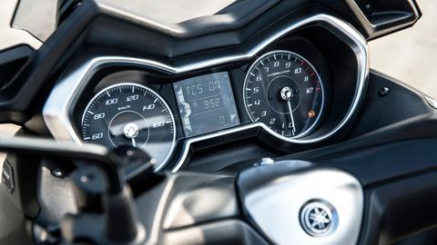 2020-Yamaha-XMAX300ASP-EU-Detail-005-03