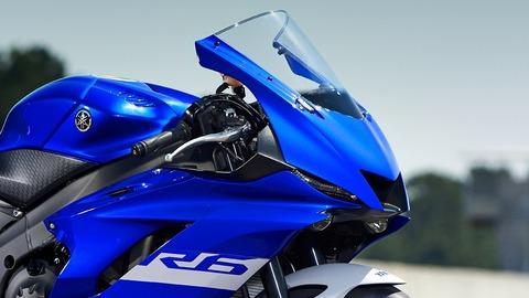 2020-Yamaha-YZF600R6-EU-Yamaha_Blue-Detail-002