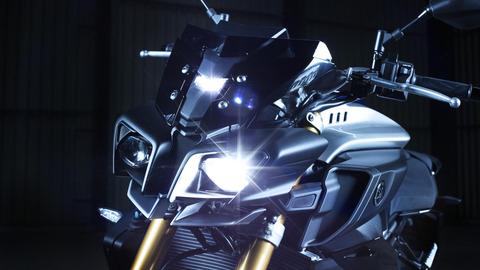 2017-Yamaha-MT10DX-EU-Detail-011-03